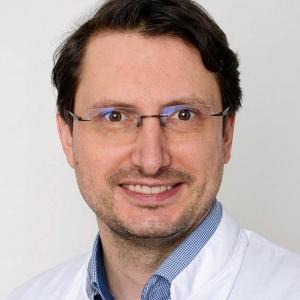 Dr. T. Gryc